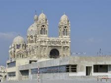 vue-du-musee-vers-la-cathedrale-bis